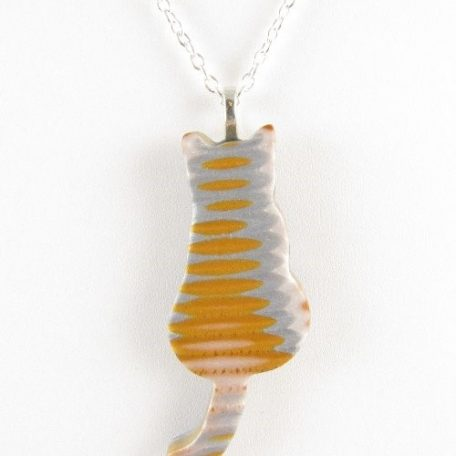 Gold and silver cat pendant - detail