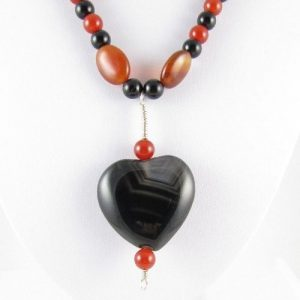 Agate heart necklace detail