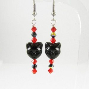 Cat face earrings 3 in red and black