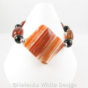 Diamond shaped Agate bracelet on cone