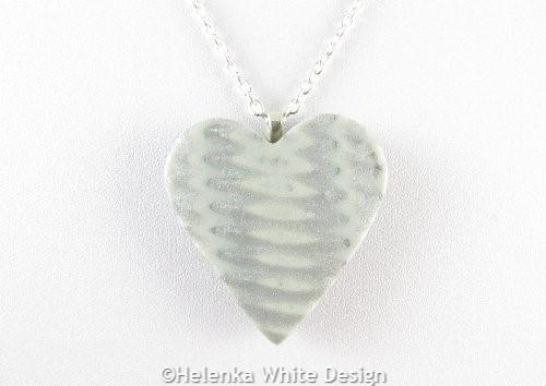 Silver heart pendant -detail