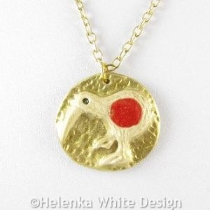 Gold and red Kiwi pendant -detail