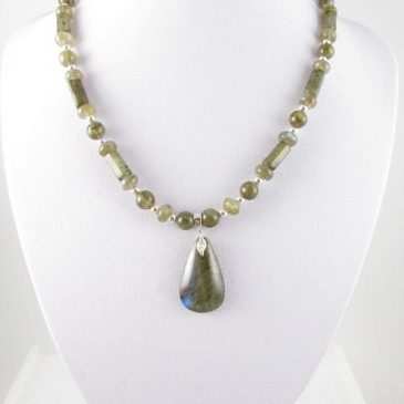 Labradorite necklace on bust