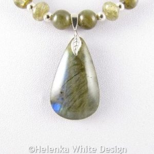 Labradorite necklace detail2