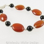 Red and black Agate bracelet closed
