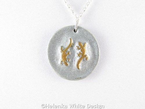 Gecko pendant in silver and bronze gold detail