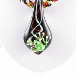Green frog necklace - detail