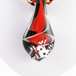 Red frog necklace - detail