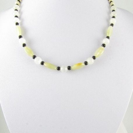 Necklace with green Onyx beads