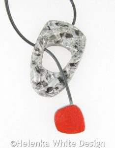 Pendant with moveable clasp - open