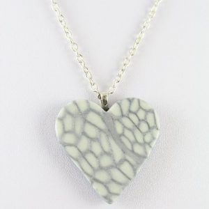 Glow in the dark heart pendant - detail