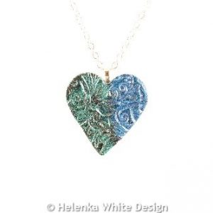 Green & blue heart pendant -detail