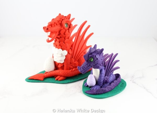 Both dragons - side.