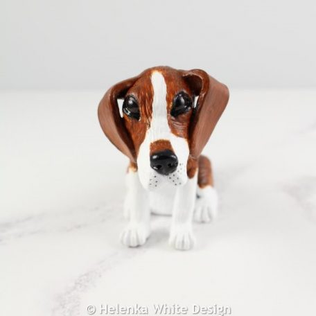 Beagle sculpture