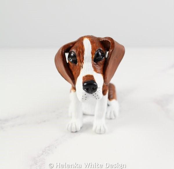 Beagle sculpture