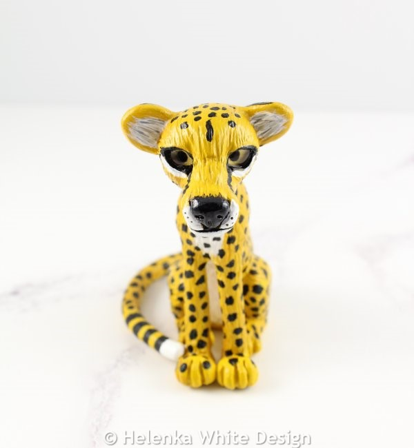 The finished cheetah sculpture.